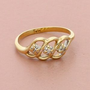 14k yellow gold vintage 0.027tcw diamond ring